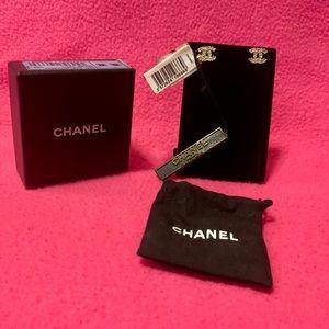 CHANEL Boucles Oreille Cristal earrings
